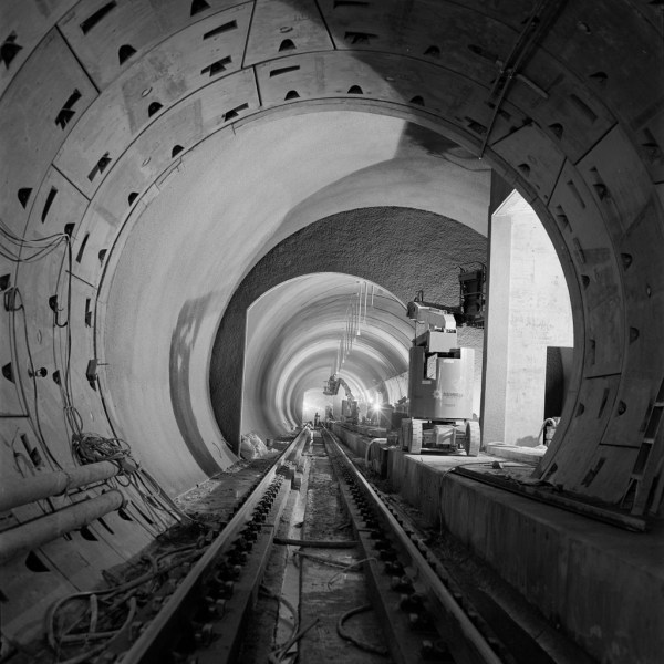 Beacon Hill Station; interface between TBM-bored tunnel (foreground) and STM/NATM mined station platform area (background). (Sound Transit)