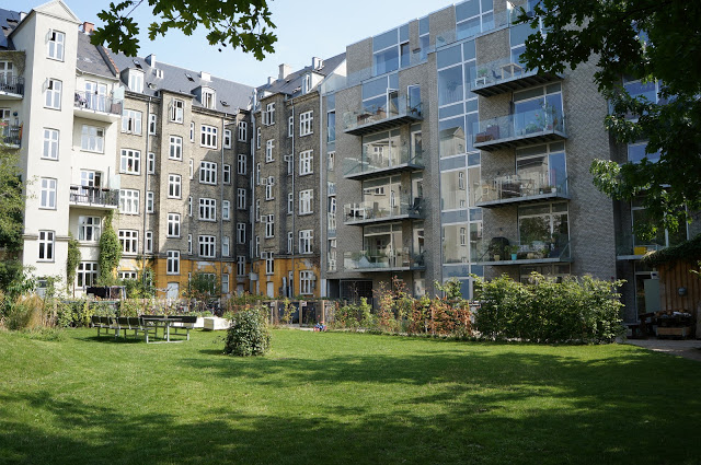 Private housing cooperative courtyard in an inner neighborhood of Copenhagen. (Roxanne Glick)