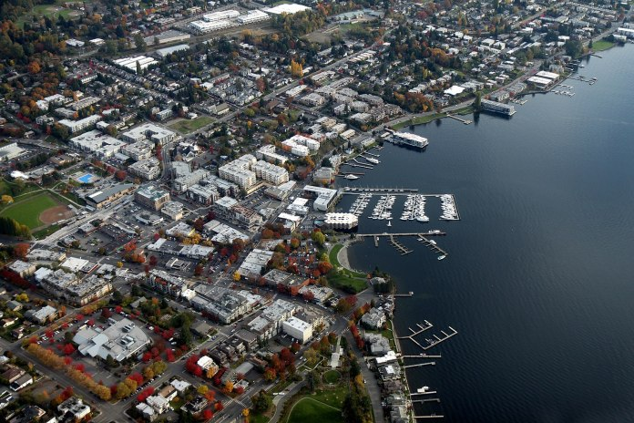 Aerial photo of Downtown Kirkland waterfront as of 2011. (Photo by Jelson25 / Wikimedia Commons)