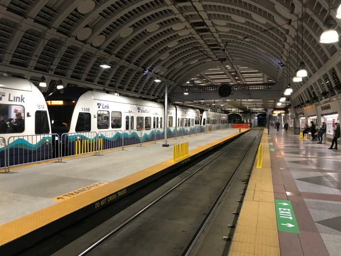 The temporary center platform at Pioneer Square Station as seen before Connect 2020.