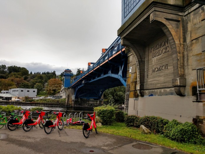 In 2019, the Fremont Bridge exceeded one million annual bike trips for the first time in recorded history. Bikeshare was part of that success. (Photo by author)