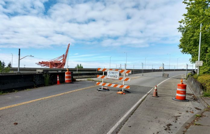 Streets Closed sign in Youngstown bars access to the West Seattle Bridge. (Photo by Doug Trumm)