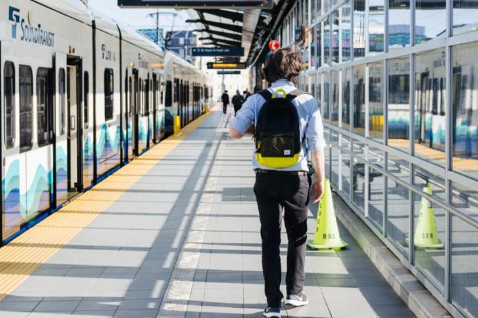 A Link train waiting at a platform. (Sound Transit)