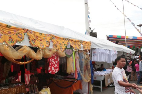 booths of Muslim and Filipino-Chinese coimmunities of Manila