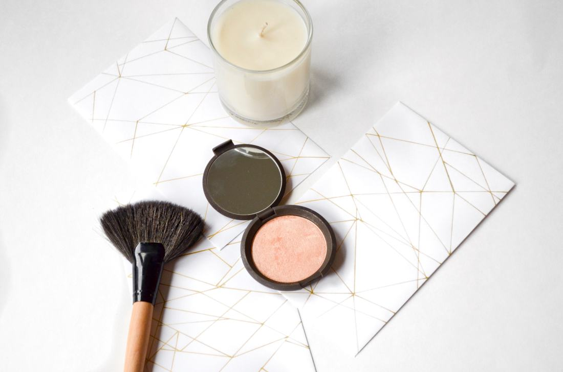 Becca Cosmetics Champagne pop review