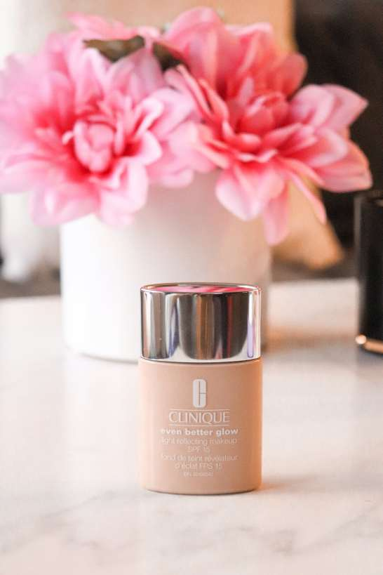 clinique-even-better-glow-light-reflecting-makeup-spf-15