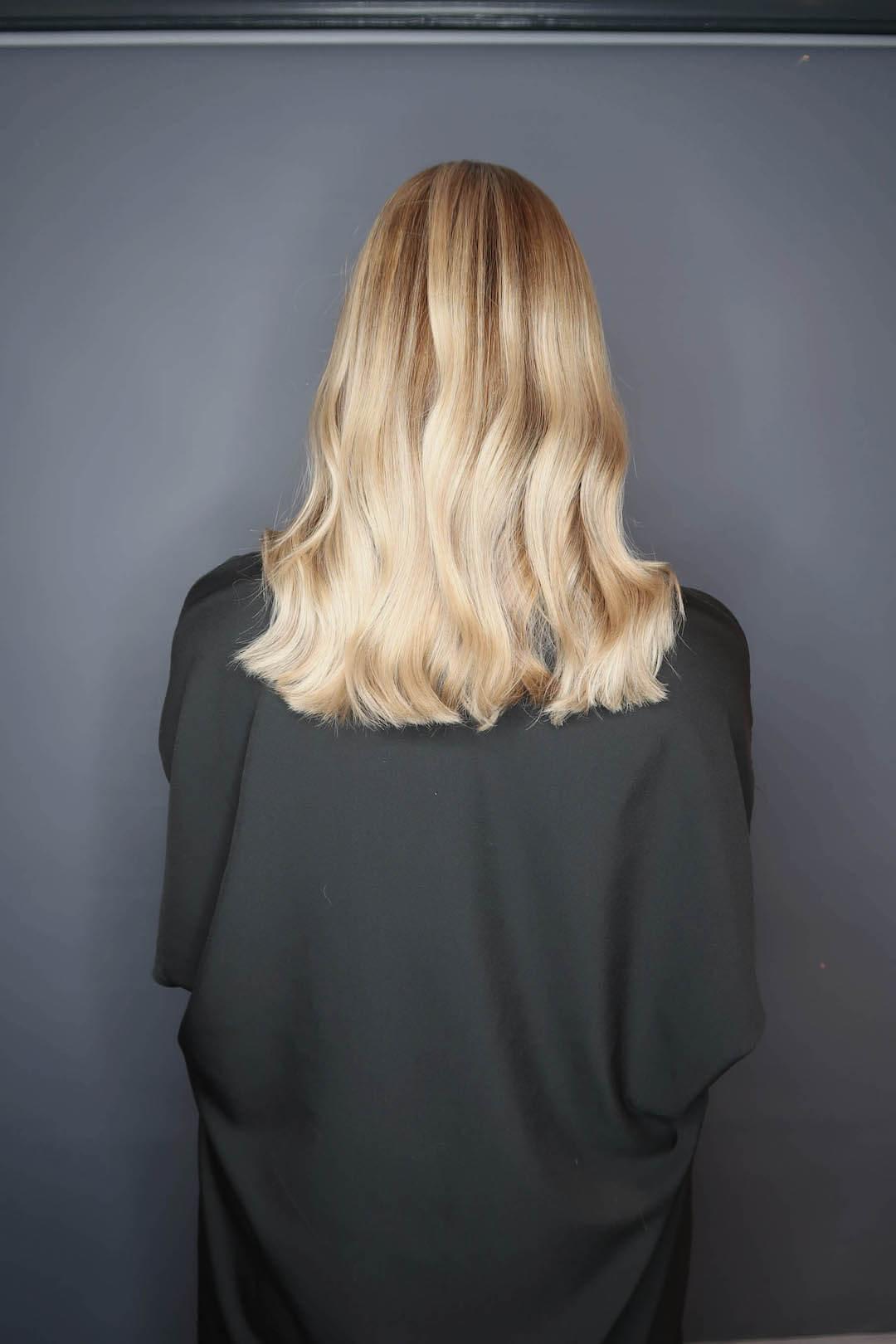 blonde-lob