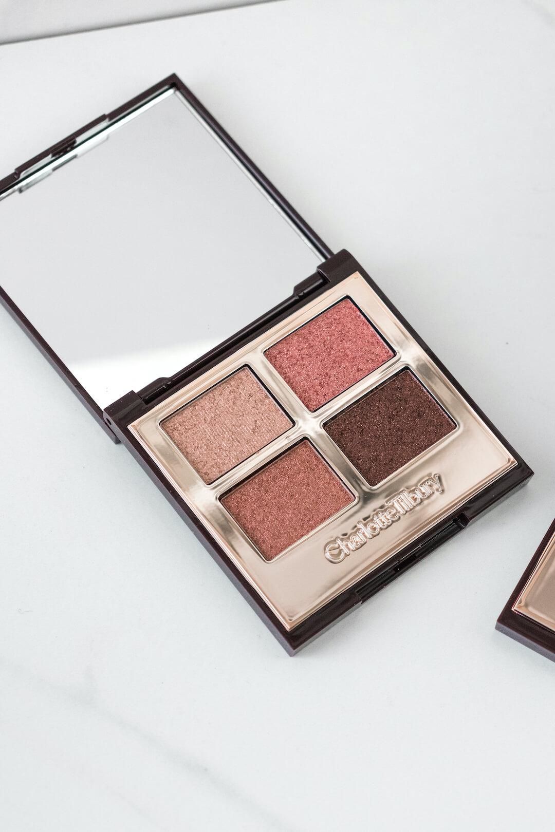 Charlotte-Tilbury-Eyeshadow-pillow-talk-palette-of-pops