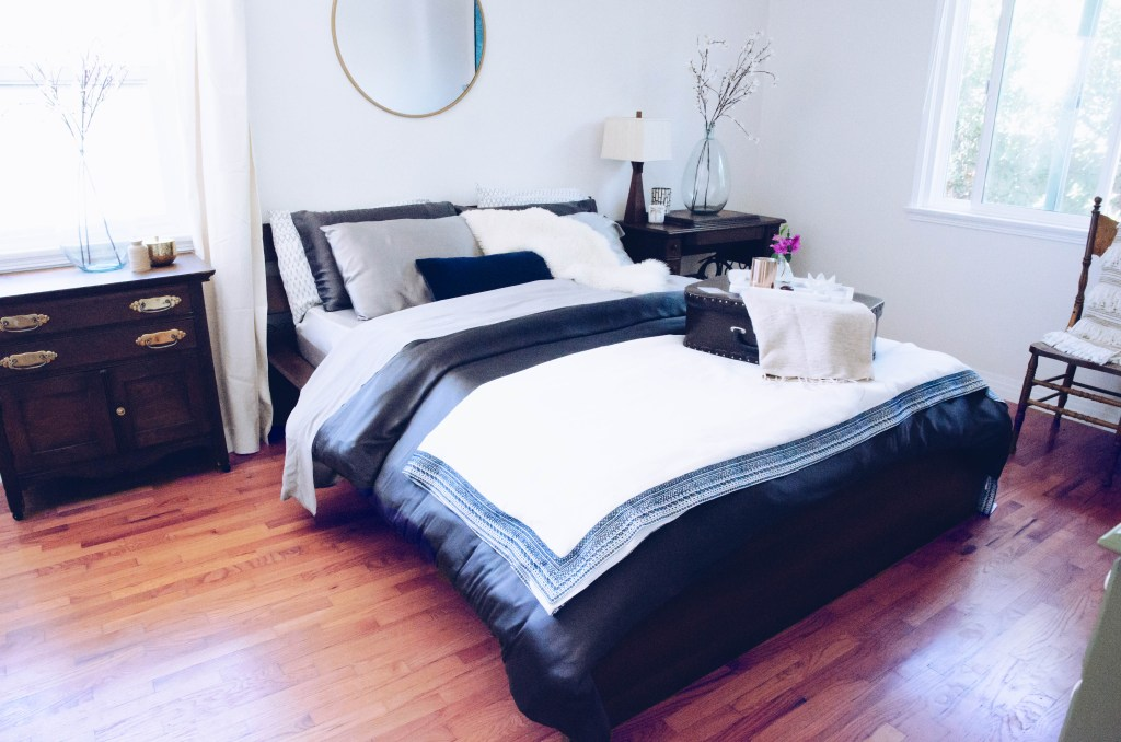 3-ways-to-style-a-luxe-bed-5