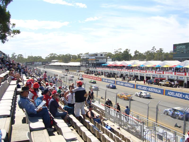 (photo by Alfresco24) (How many in the crowd are watching the Race? We counted 8)