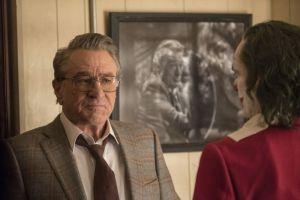 Murray Franklin (Robert De Niro) meets Arthur (Joaquin Phoenix) again.