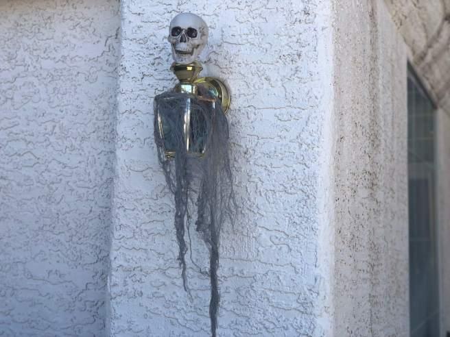 Outdoor Halloween Decorations 2018   The Vegas Mom