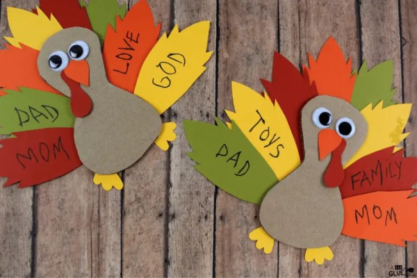 15 Thanksgiving Crafts You Need to Make ASAP | www.thevegasmom.com