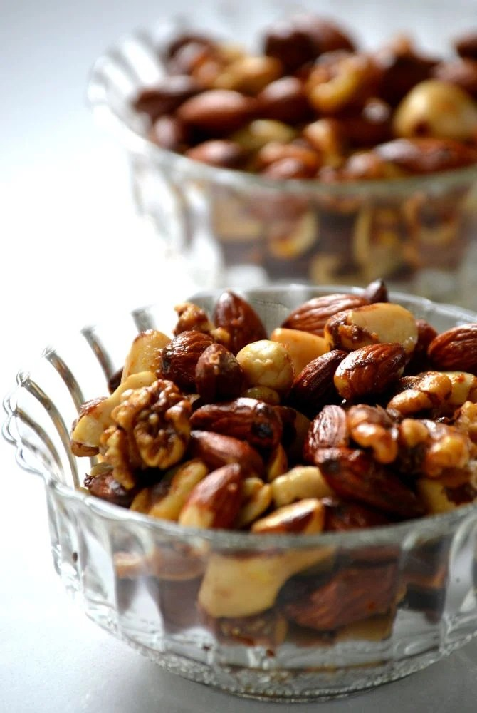 Warm Six-Spiced Party Nuts 2