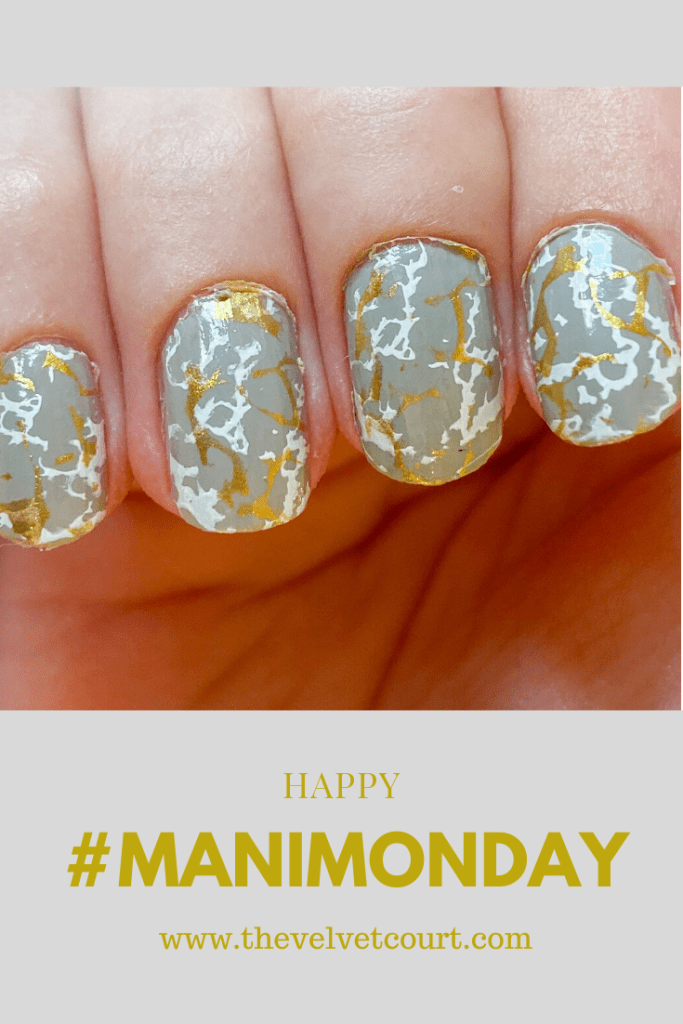 """Discover how you can recreate this grey marble nail design using Harunouta """"L079"""" stamping plate and Born Pretty """"BP-WN04 Pure"""" and """"BP-WN01 In Fire"""" stamping polish."""
