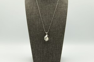 Teardrop Large Diffuser Necklace | The Vera Soap Company