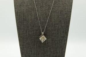 Box Small Diffuser Necklace | The Vera Soap Company