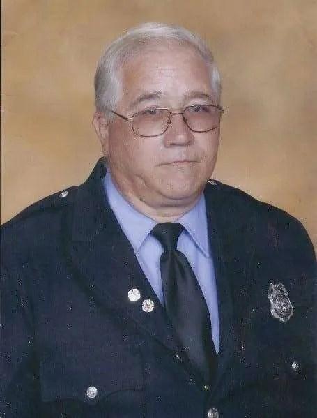 Robert H Lee