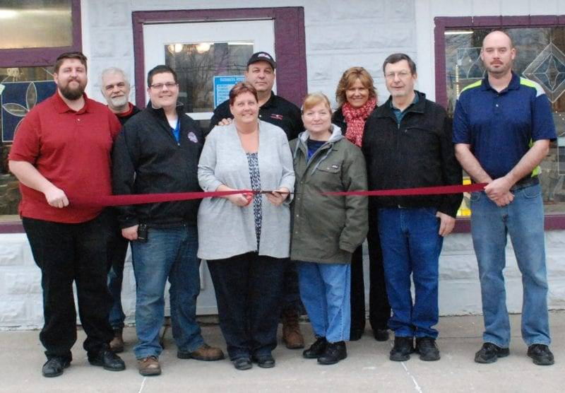 Mudsock Glass & Artist Co-Op Holds Ribbon Cutting In Edon