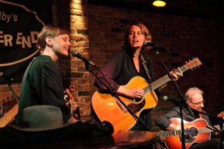 The Chapin Sisters, Happy Traum in the background, at Talkin' New York Folk Revival