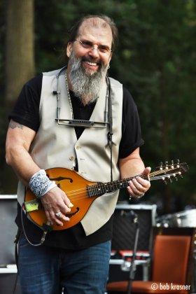 Steve Earle and mandolin (Bob Krasner)