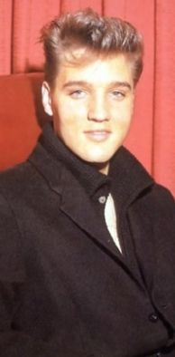 Beautiful Color Photos Show Elvis Presley As A Young Man
