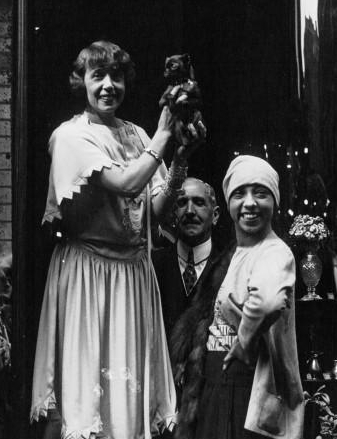 Mistinguett and Josephine Baker in 1927. Source