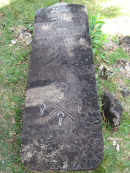 There are mostly graves from 1800s but only one with the classic skull and crossed bones. Source