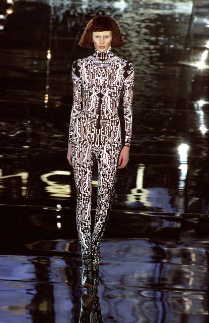 گیوینچی ڈیزائن ، 1999 پہنے ہوئے ماڈل