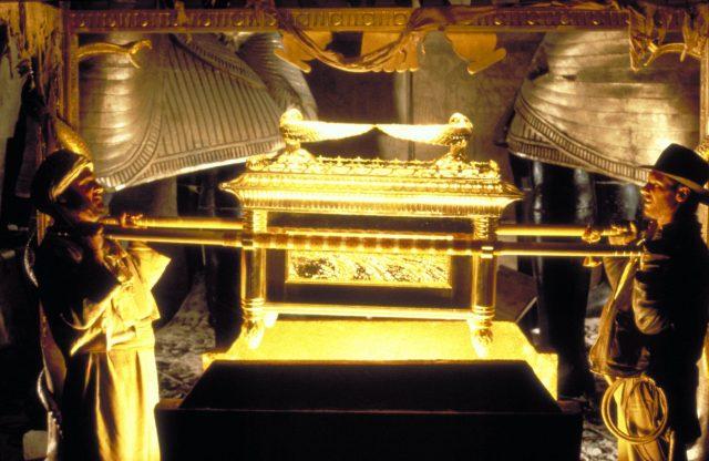 عہد کا صندوق جیسا کہ کھوئے ہوئے صندوق کے نمائندہ تصویر میں دکھائی دیتا ہے