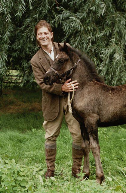 شان بین فلم '' بلیک بیوٹی '' 1994 میں کسان گرے کے طور پر۔