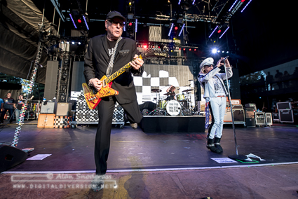 Tvd Live Shots Heart And Cheap Trick At The Shoreline