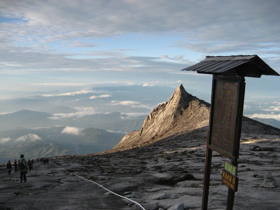 gunung tinggi