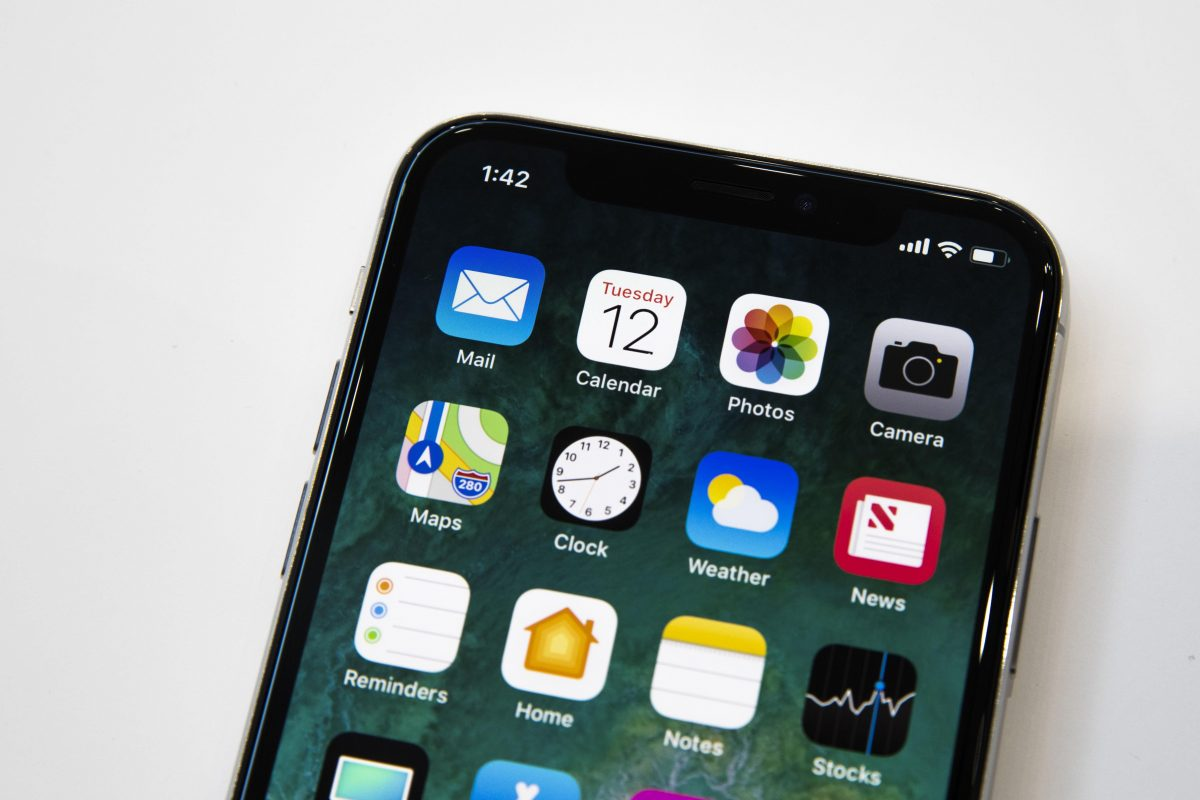 apple-091217-iphone-x-4120