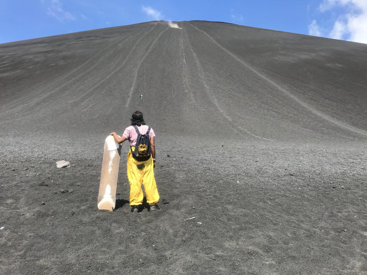 volcano-boarding-di-nicaragua-21