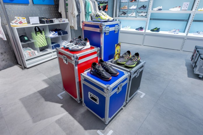 adidas sneaker collect 1