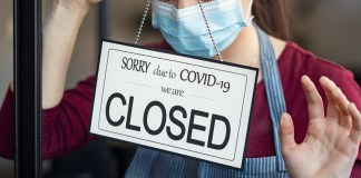 Small business closes its doors due to COVID-19 quarantine. (Photo by: Rido81 | elements.envato.com)