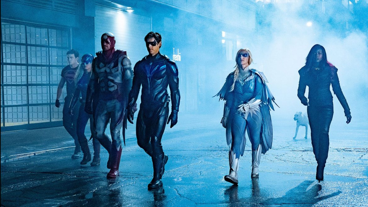 'Titans' Season 3 Set Leaks Reveal [SPOILER] Cameo