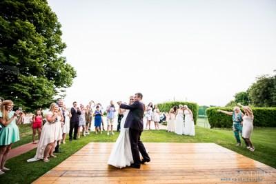 121-wedding-fattoria-mansi-bernardini-lucca-father-dance-the-waistcoats-wedding-band-italy