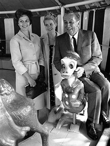 Walt Disney at the age of 63 in Tivoli, Copenhagen, Denmark. Left, the Danish actress Astrid Willaume, middle, the Danish ballerina Kirsten Simone and right, the American Donald Duck.  Photo by John Stæhr via www.imagesfile.com/