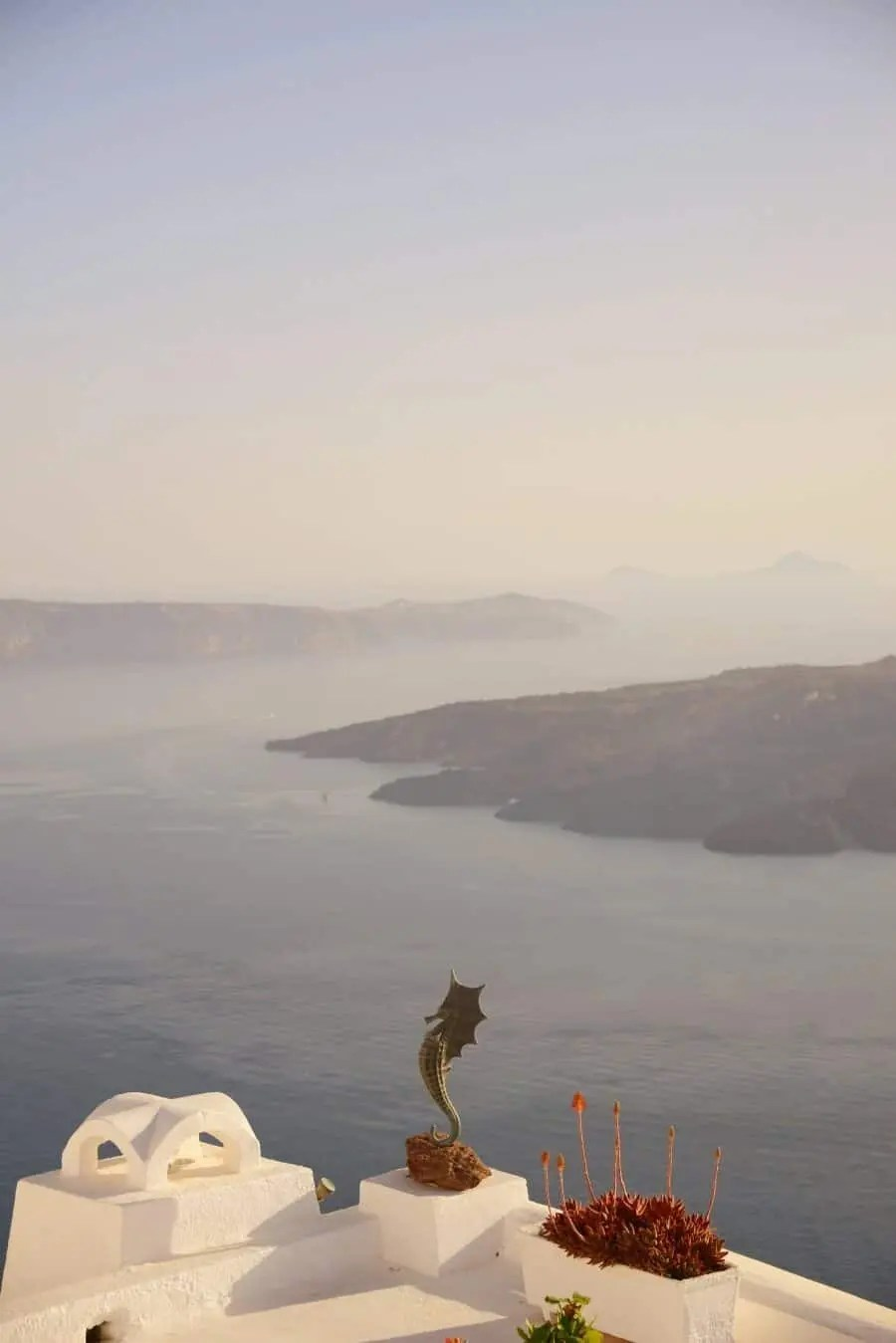 Santorini Photo Locations by The Wandering Lens www.thewanderinglens.com