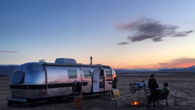 <thrive_headline click tho-post-1351 tho-test-1>20 People Share Their Stories of Why They Decided to Live in an RV</thrive_headline>