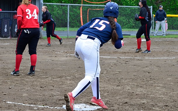 running bases, women's softball
