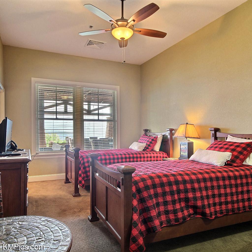 Lodgeroom1-enhanced