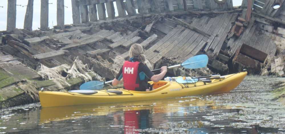 Exploring the old wreck on the Lower Hamble