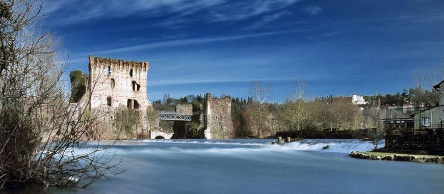 Un'opera all'avanguardia per i Visconti: il ponte sul Mincio che funge da diga.