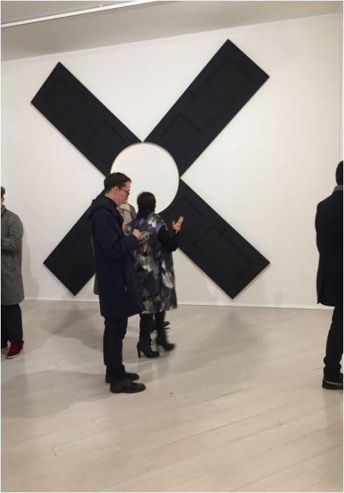 L'installazione con le porte a raggiera di Mattia Novello alla galleria AMY D Arte Spazio di Milano.