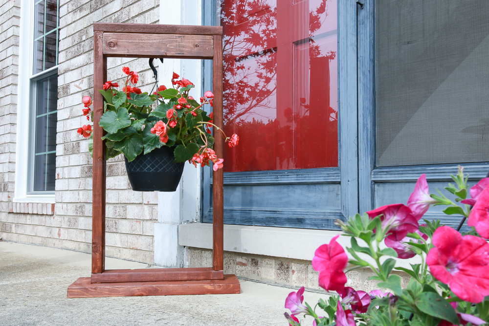 DIY Hanging Plant Stand for Outdoor Decorating-4 - The ... on Stand For Hanging Plants  id=24641