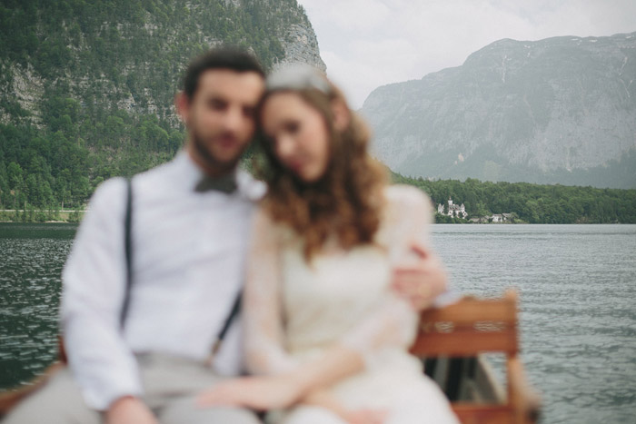Bridal portraits in Hallstatt. Photography by Thomas Steibl. www.theweddingnotebook.com