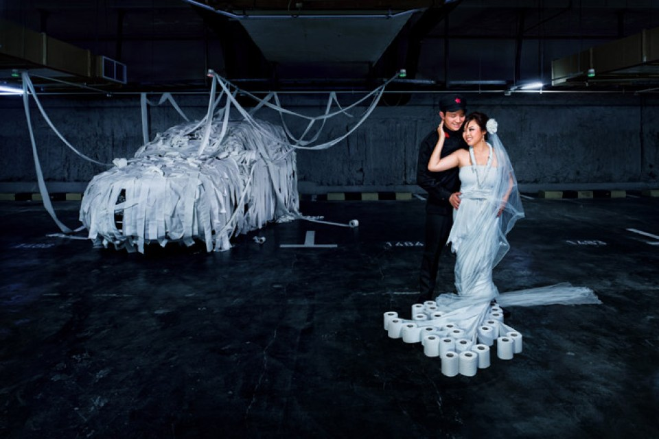Concept paper bridal gown. Raymond Phang Photography. www.theweddingnotebook.com
